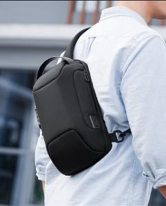 Рюкзак однолямочный Mark Ryden MR7116 черный на мужчине фото3