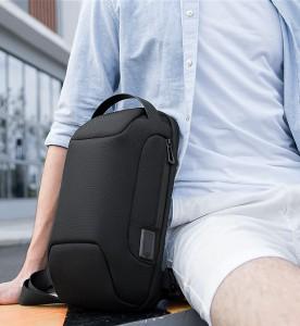 Рюкзак однолямочный Mark Ryden MR7116 черный на мужчине фото2
