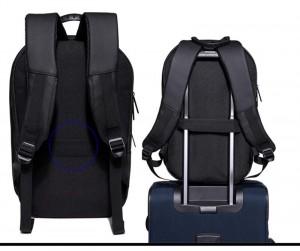 Модный школьный рюкзак OZUKO 8971 легко фиксируется на багаже
