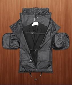 В сумке-рюкзаке трансформере OZUKO 9288 не мнется деловой костюм
