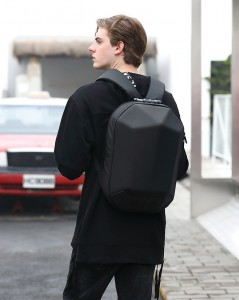 Каркасный рюкзак Ozuko 9205 черный на подростке фото1