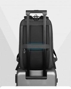 Городской непромокаемый рюкзак для ноутбука MR922 легко крепится на чемодане