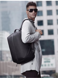 фото рюкзака ozuko 9080 на мужчине