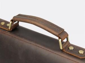 Винтажный мужской портфель J.M.D. 7223 коричневый, кожаная ручка крупным планом