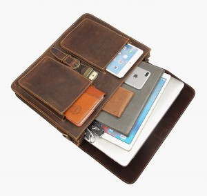 Мужской ретро портфель J.M.D. 7164R коричневый фото заполненного основного отделения