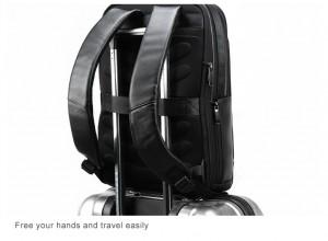 Кожаный деловой рюкзак BOPAI 851-036611 легко помещается на ручке чемодана