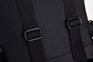 Рюкзак школьный Celvin Kloin Jeans 6916 черный лямки крупным планом
