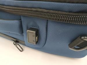 Бизнес рюкзак для мужчин OZUKO 9225 синий фото USB и аудио разъема